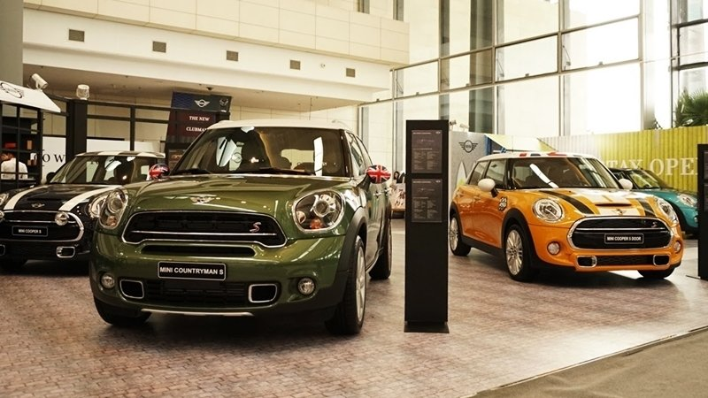 Showroom trưng bày xe của đại lý MINI Hà Nội