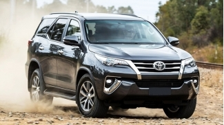 Toyota Fortuner 2.8V 4x4 AT 2018