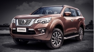 Nissan Terra 2.5L E 2WD 7AT (may xang) 2019