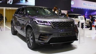 Range Rover Velar 2018 gia tu 4,9 ty dong tai Viet Nam, doi thu Porsche Cayenne
