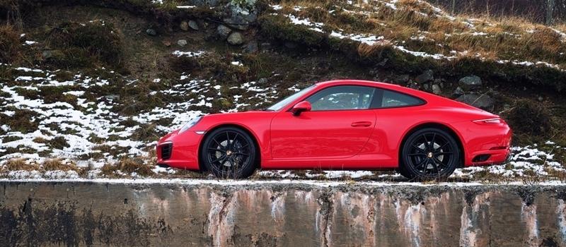 Porsche 911 Turbo S 2016 co gia tu 14,5 ty dong tai Viet Nam