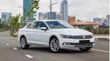 Gia xe Volkswagen Passat giam con 1,266 ty dong, canh tranh Mazda 6