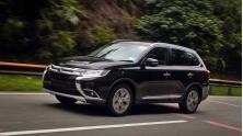Mitsubishi Outlander 2018 ban 2.0CVT Base co gia ban moi 823 trieu dong