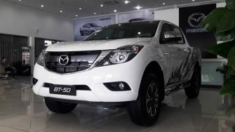 Gia xe Mazda BT-50 2018 tai Viet Nam - 4WD MT 2.2L va 2WD AT 2.2L