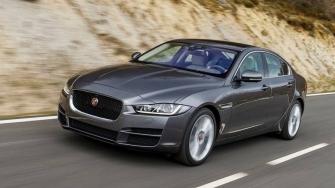 Gia xe Jaguar XE 2018 tai Viet Nam - XE Portfolio, XE Prestige
