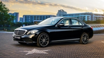 Chi tiet xe Mercedes C200 Exclusive 2019 danh cho doanh nhan