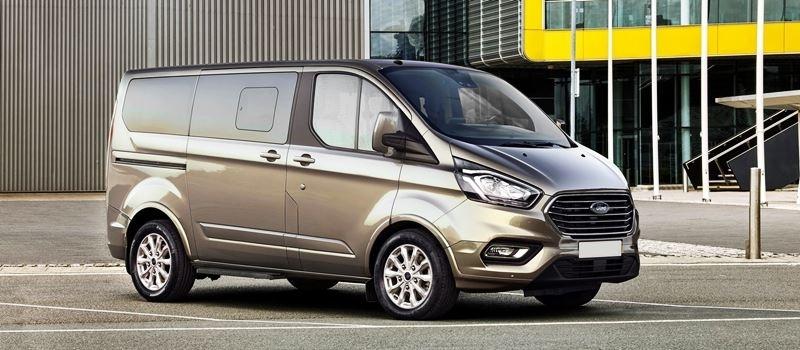 Xe MPV 7-8 cho cua truot Ford Tourneo Custom - doi thu KIA Sedona
