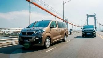 So sanh khac biet giua Peugeot Traveller ban 7 cho va 4+2 cho ngoi