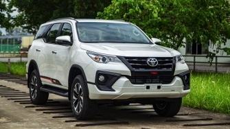 Gia xe Toyota Fortuner 2019 lap rap Viet Nam tu 1,033 ty dong