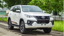 Toyota Fortuner TRD 2019 co gia ban 1,199 ty dong tai Viet Nam