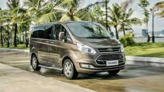 So sanh khac biet giua hai phien ban Ford Tourneo Trend va Titanium