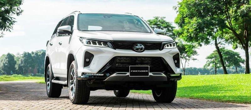 Gia ban xe Toyota Fortuner 2021 tai Viet Nam tu 995 trieu dong