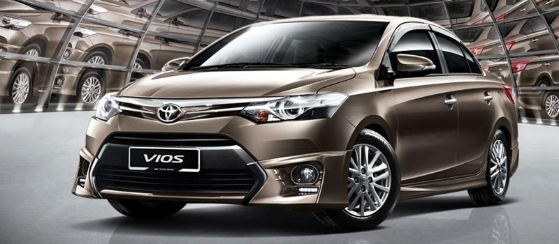 Toyota Camry 2017 tại đại lý Toyota Đà Lạt