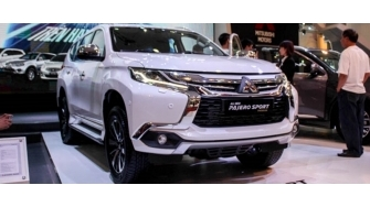 Mitsubishi Pajero Sport 2017 tai Viet Nam, may xang va may dau
