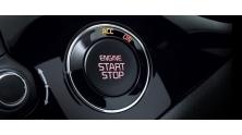 Xe dang chay bam nut Start Stop Engine co sao khong?