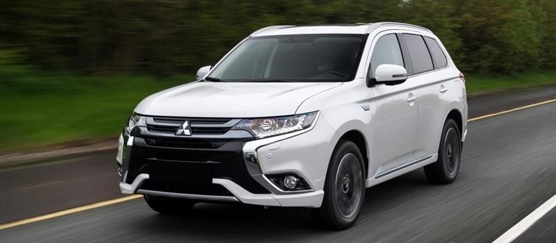 Chuong trinh khuyen mai mua xe Mitsubishi thang 1/2017