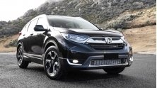 Xe 7 cho nen mua Nissan X-Trail hay Honda CR-V 2018 moi?