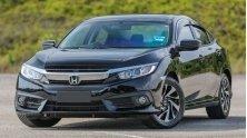 Co 800 trieu nen mua xe Mazda 3 2.0AT hay Honda Civic 1.8E 2018