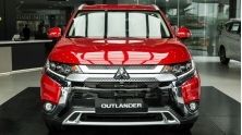 Co nen mua ban tieu chuan Mitsubishi Outlander 2.0CVT 2020 gia re