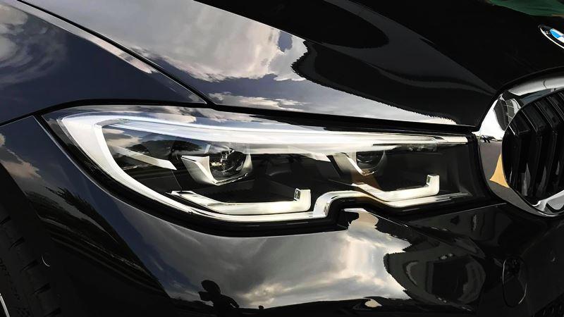 Giá bán xe BMW 330i M Sport 2019 tại Việt Nam từ 2,379 tỷ đồng - Ảnh 2