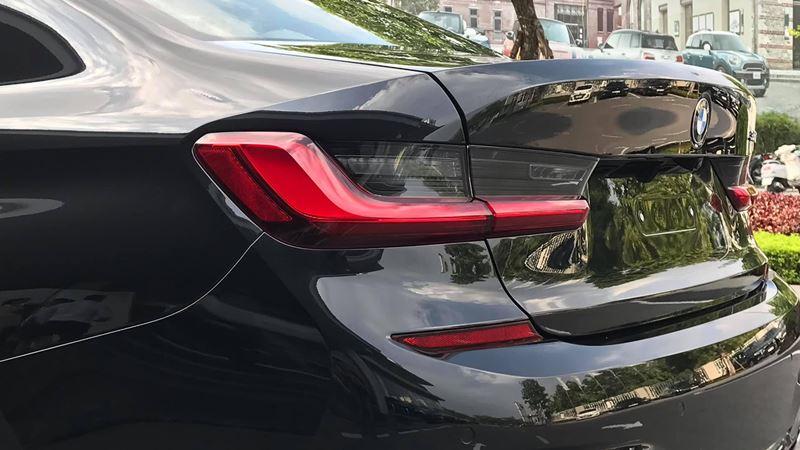 Giá bán xe BMW 330i M Sport 2019 tại Việt Nam từ 2,379 tỷ đồng - Ảnh 4