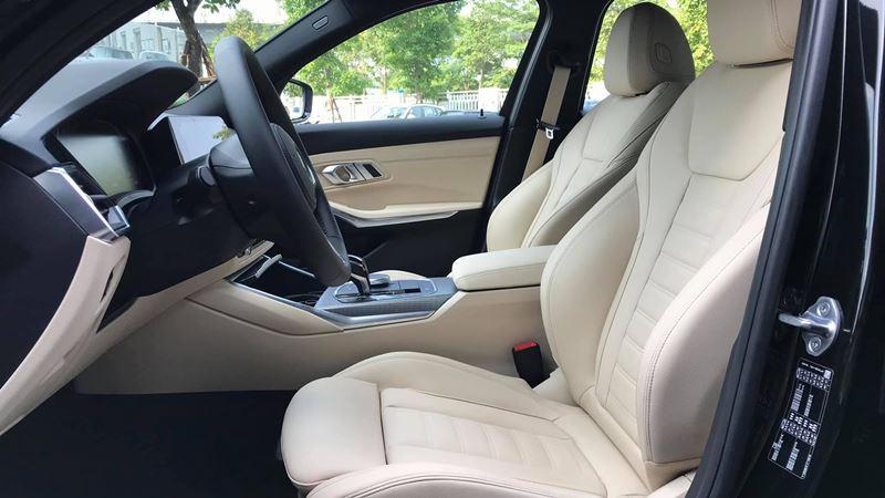 Giá bán xe BMW 330i M Sport 2019 tại Việt Nam từ 2,379 tỷ đồng - Ảnh 9