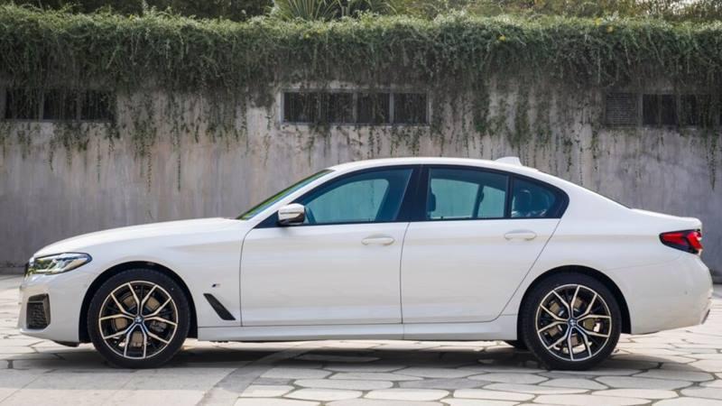 So sánh khác biệt 3 phiên bản xe BMW 5-Series 2021 mới - Ảnh 6