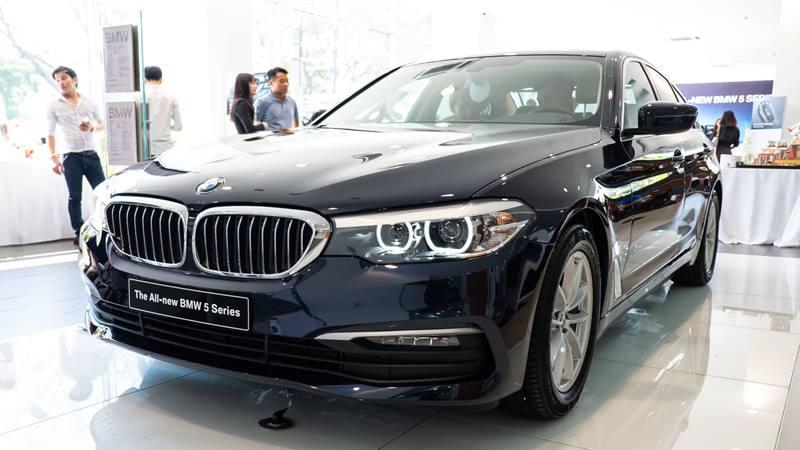 BMW 520i 2019 có giá mới 2,159 tỷ đồng, BMW 530i có giá 2,919 tỷ đồng - Ảnh 2