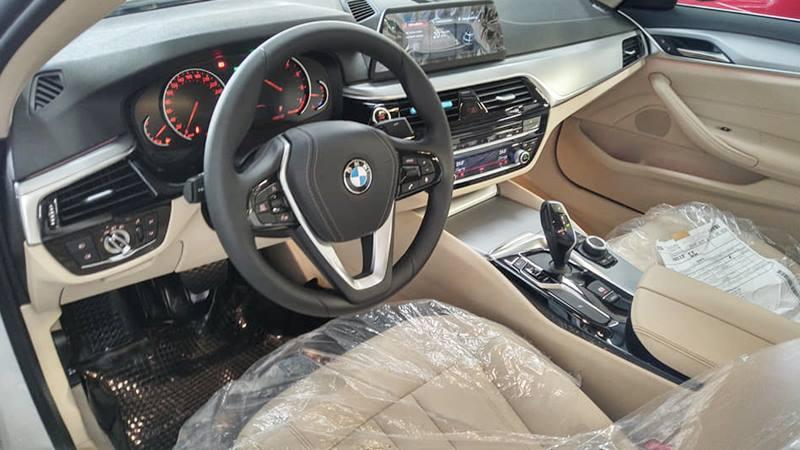 BMW-520i-2019-viet-nam-tuvanmuaxe-16