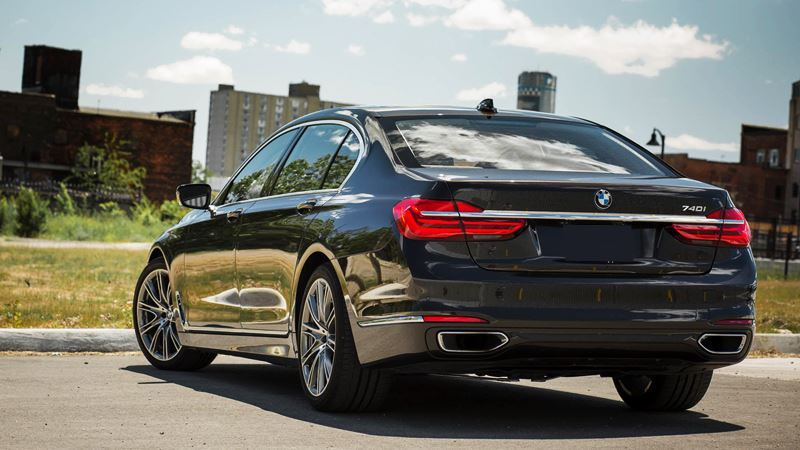 BMW 7-Series sẽ có 4 phiên bản, mở bán tại Việt Nam vào tháng 9 tới - Hình 2