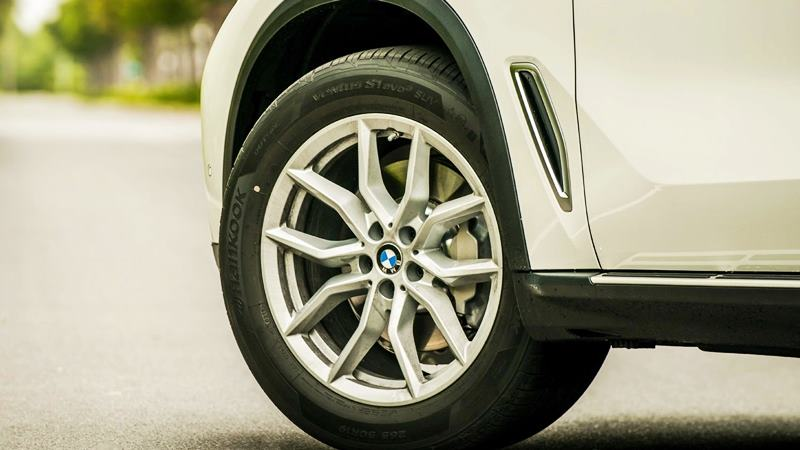 Chi tiết thông số và trang bị xe BMW X5 xDrive40i 2019 tại Việt Nam - Ảnh 6