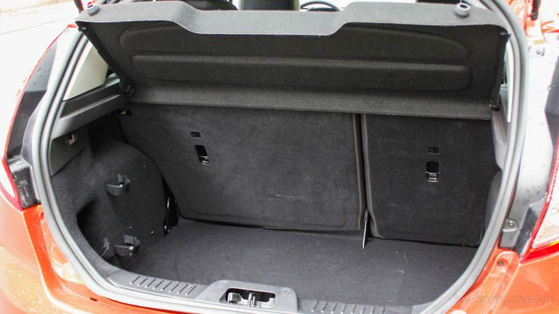 Ford-Fiesta-hatchback-2016-tuvanmuaxe-7430