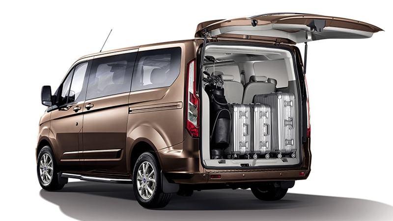 Thông số kỹ thuật và trang bị xe 7 chỗ Ford Tourneo 2019 tại Việt Nam - Ảnh 6