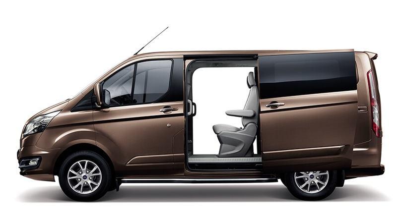 Thông số kỹ thuật và trang bị xe 7 chỗ Ford Tourneo 2019 tại Việt Nam - Ảnh 2