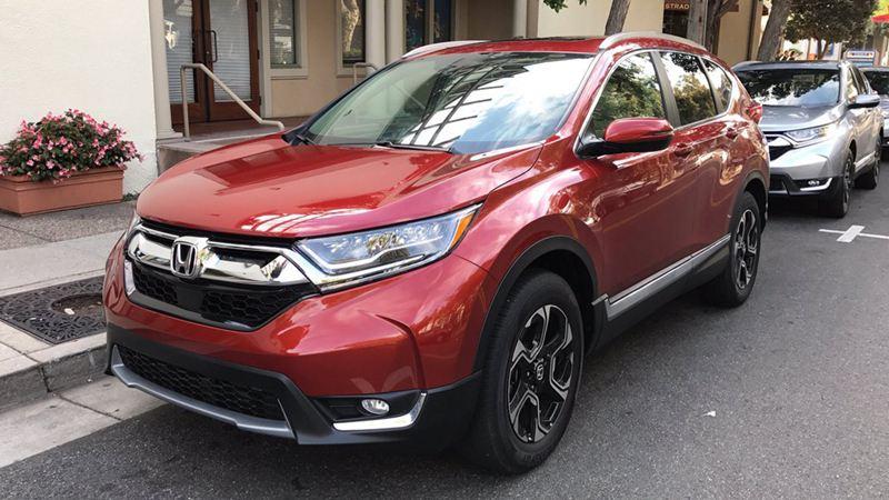Honda CR-V 2017 thêm nhiều tiện ích và tính năng an toàn mới