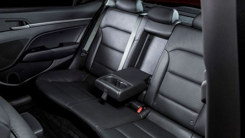 Đánh giá Hyundai Elantra 2016 phiên bản 2.0AT - Ảnh 6