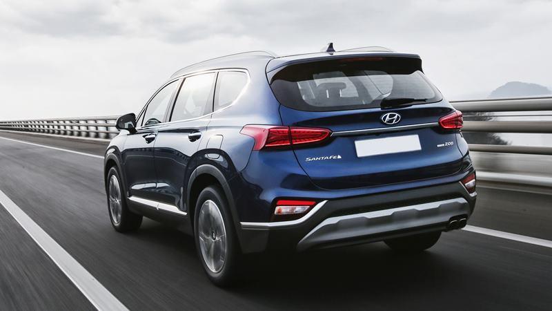 """Mặc Hyundai SantaFe 2019 sắp mở bán, bản cũ vẫn """"đội"""" giá vì cháy hàng - Hình 2"""