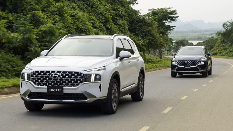 Giá bán xe Hyundai SantaFe 2021 tại Việt Nam từ 1,030 tỷ đồng - Ảnh 11