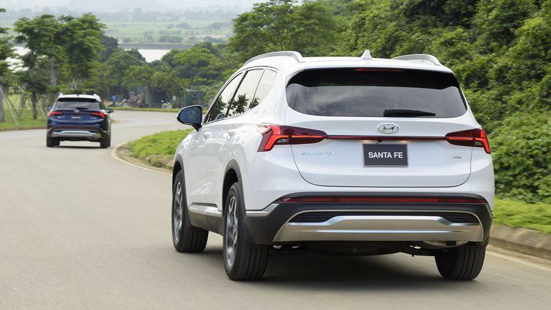 Giá bán xe Hyundai SantaFe 2021 tại Việt Nam từ 1,030 tỷ đồng - Ảnh 12