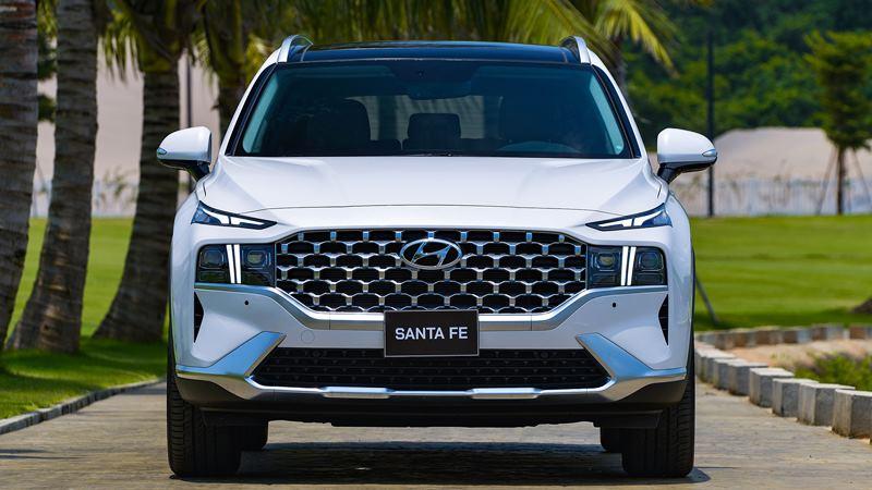 Giá bán xe Hyundai SantaFe 2021 tại Việt Nam từ 1,030 tỷ đồng - Ảnh 2