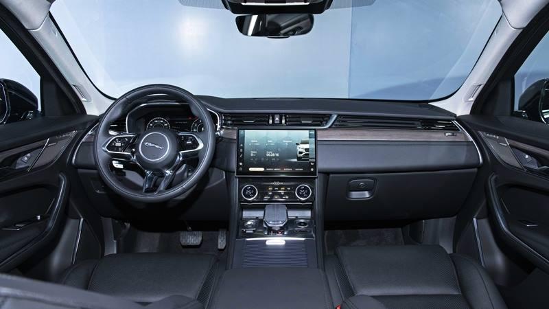 Giá bán xe Jaguar F-Pace 2021 tại Việt Nam từ 3,489 tỷ đồng - Ảnh 3