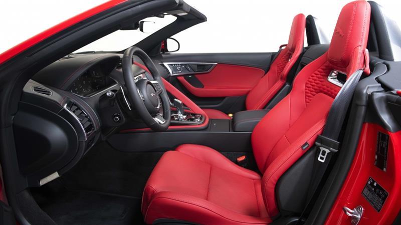 Xe thể thao Jaguar F-Type 2021 có giá từ 5,6 tỷ đồng tại Việt Nam - Ảnh 4