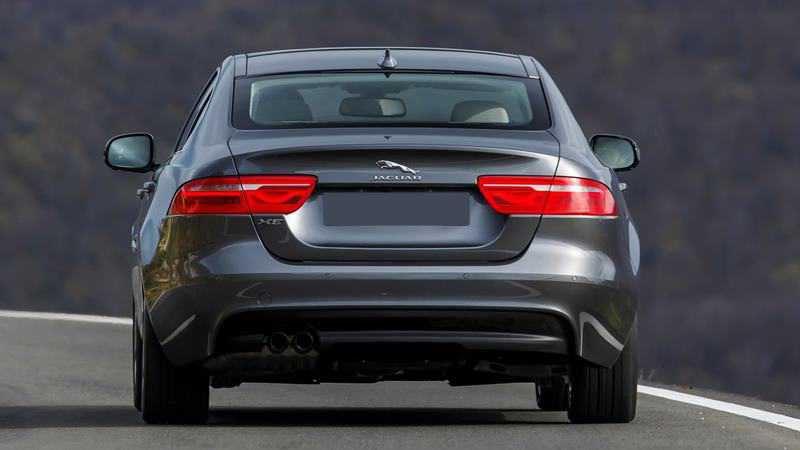 Chi tiết xe Jaguar XE 2018 đang bán tại Việt Nam - Ảnh 3