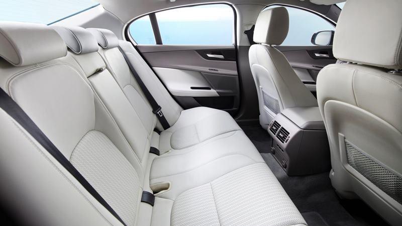 Chi tiết xe Jaguar XE 2018 đang bán tại Việt Nam - Ảnh 7