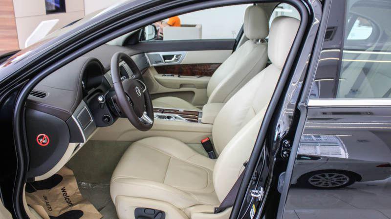 Jaguar-XF-2016-tuvanmuaxe-4980