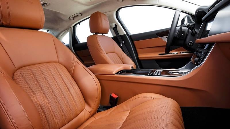 Đánh giá xe Jaguar XF 2018 - Hình 2