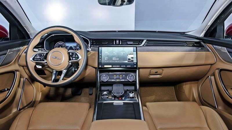 Giá bán xe Jaguar XF 2021 tại Việt Nam từ 3,1 tỷ đồng - Ảnh 4