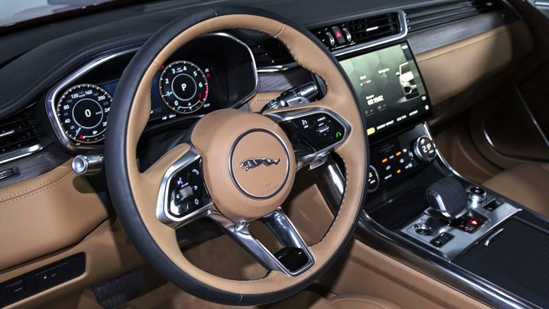 Giá bán xe Jaguar XF 2021 tại Việt Nam từ 3,1 tỷ đồng - Ảnh 7