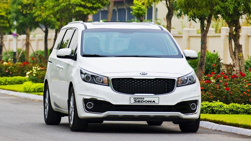 Kia Sedona phiên bản cao cấp giá 1,1 tỷ đồng tại Malaysia có gì? - Hình 1