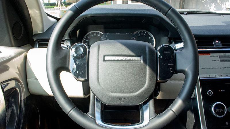 Chi tiết xe SUV 7 chỗ Land Rover Discovery Sport 2020 tại Việt Nam - Ảnh 11